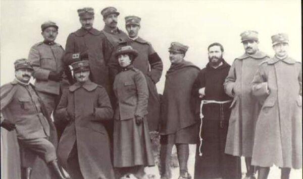 Dottoresse Al Fronte La Croce Rossa Nella Grande Guerra