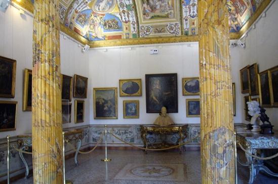LE STORIE.Roma. La stanza di Cristina a Palazzo Corsini.jpg