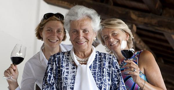 Cantina Lungarotti. Maria Grazia, Chiara e Teresa.jpg