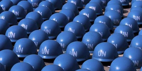 FOTO 1 caschi blu