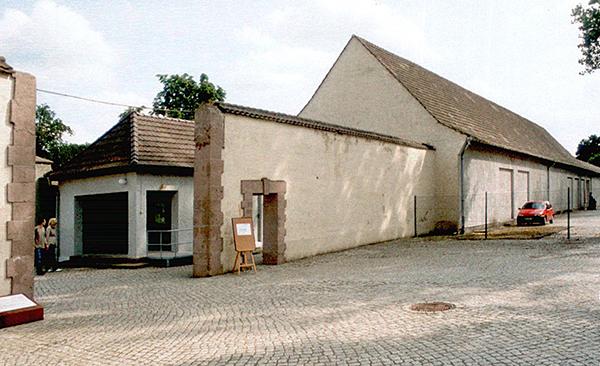 Foto 1. Il campo di Ravensbrück.Entrata