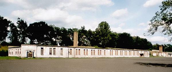 Foto 2. Il campo di Ravensbrück.Blocco