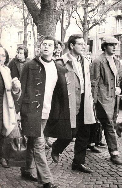 FOTO 2.1972_Roberto Franceschi (al centro) in manifestazione a Parigi per il Vietnam (1972)