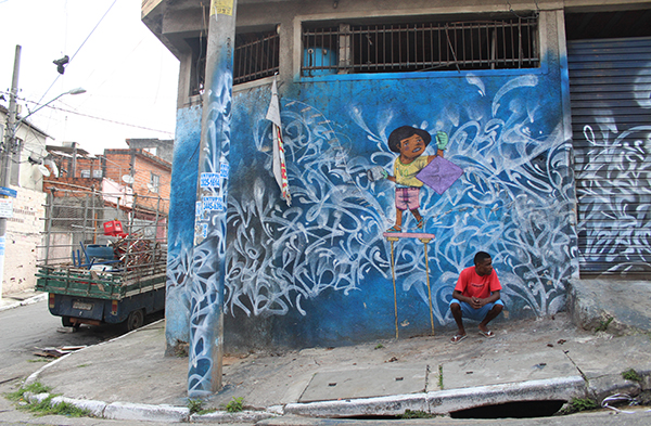 11_Murale di Rafael Sliks con abitanti di Vila Flavia_foto Livia Fabiani