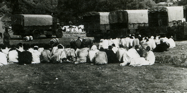 4. Nei dintorni di Debre Libanos, prigionieri in attesa di essere fucilati (esclusiva TV2000).