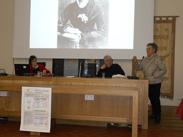 Foto 1.Sala consiliare-Borgo a Buggiano-evento del 7.12.2019.Laura Candiani, Alfio Pellegrini, Vincenza Papini