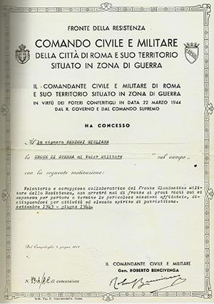 Foto 4.Croce di guerra a Giuliana Benzoni