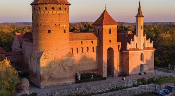 Foto3 Reszel (Polonia). Castello gotico del Quattrocento trasformato in albergo