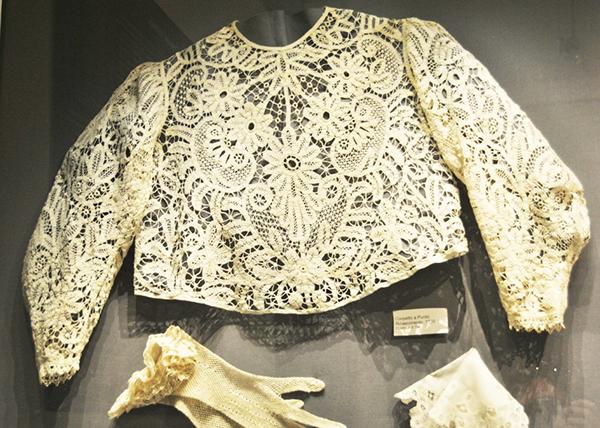 Museo del ricamo, corpetto. Foto di Marta Beneforti