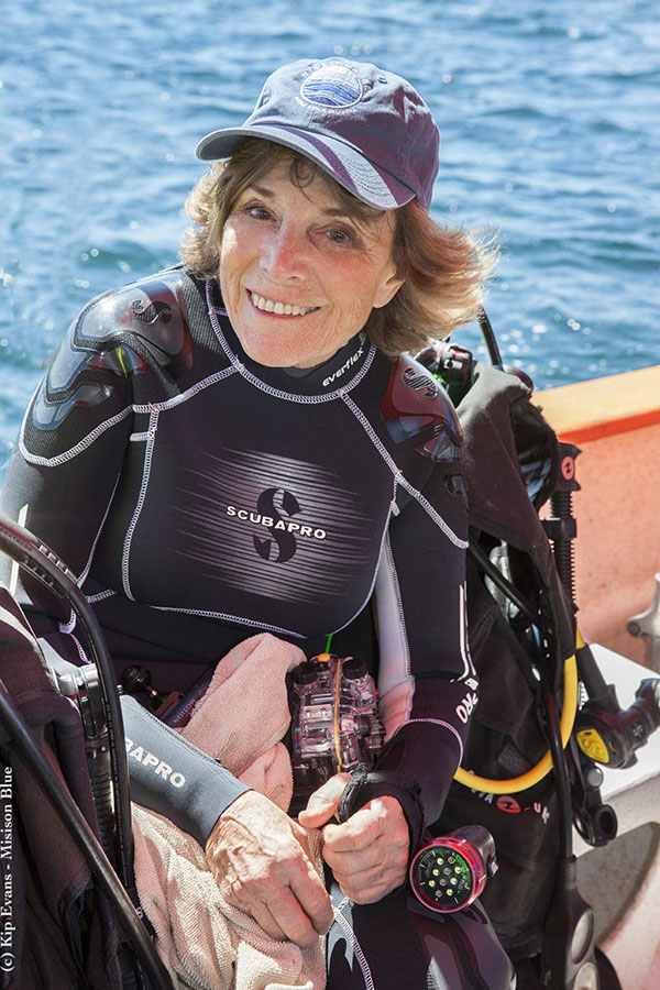 4. EARLE.Hero-image-Sylvia-Earle-Diving-at-CaboPulmocKipEvansMB_MG_9638-copy-1024x1536