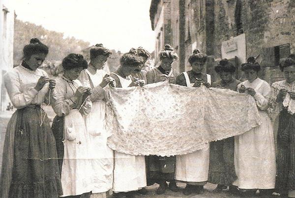 2. Isola Maggiore, prima metà del Novecento, foto di Aldo Cari (Città di Castello)