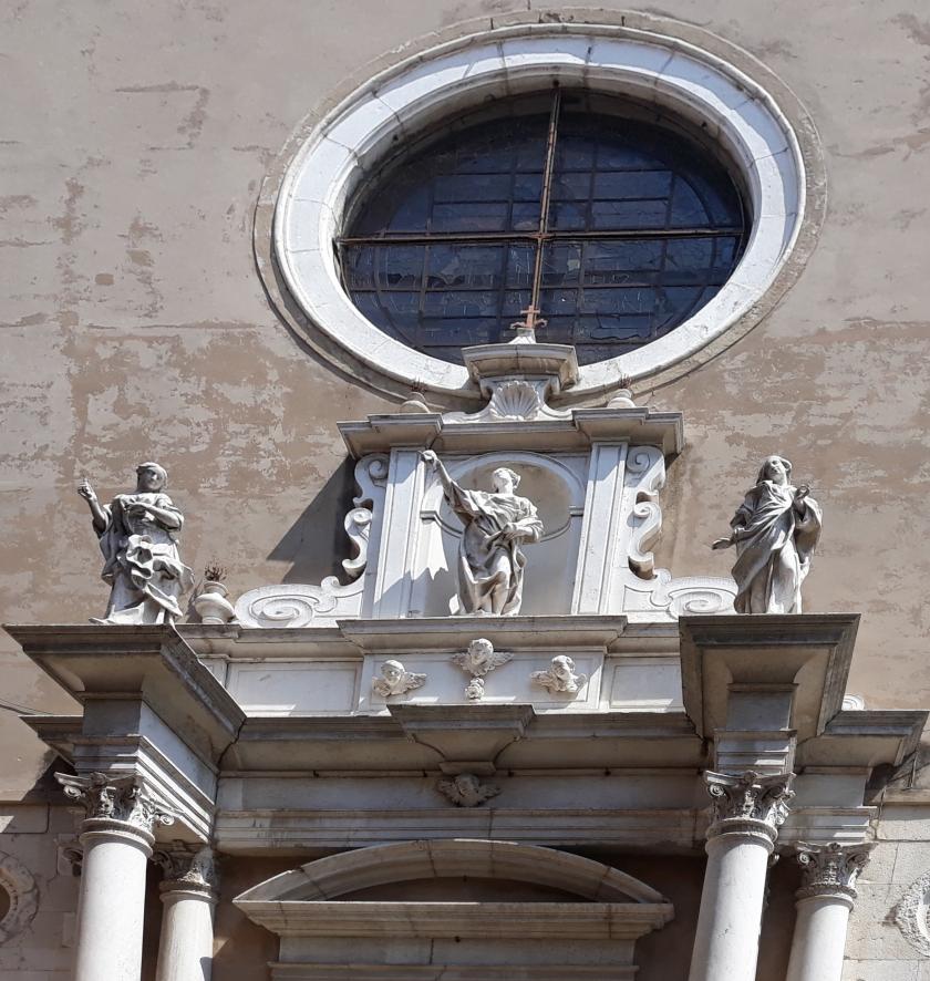 2. Le sante Lucia, Agata e Apollonia